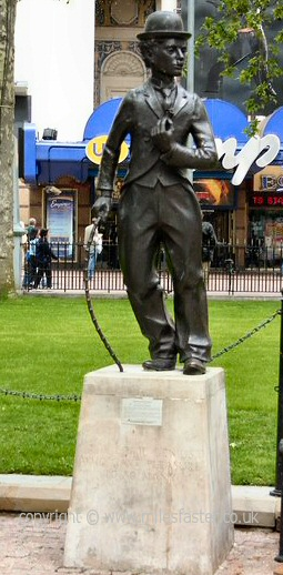 A statue of Charlie Chaplin